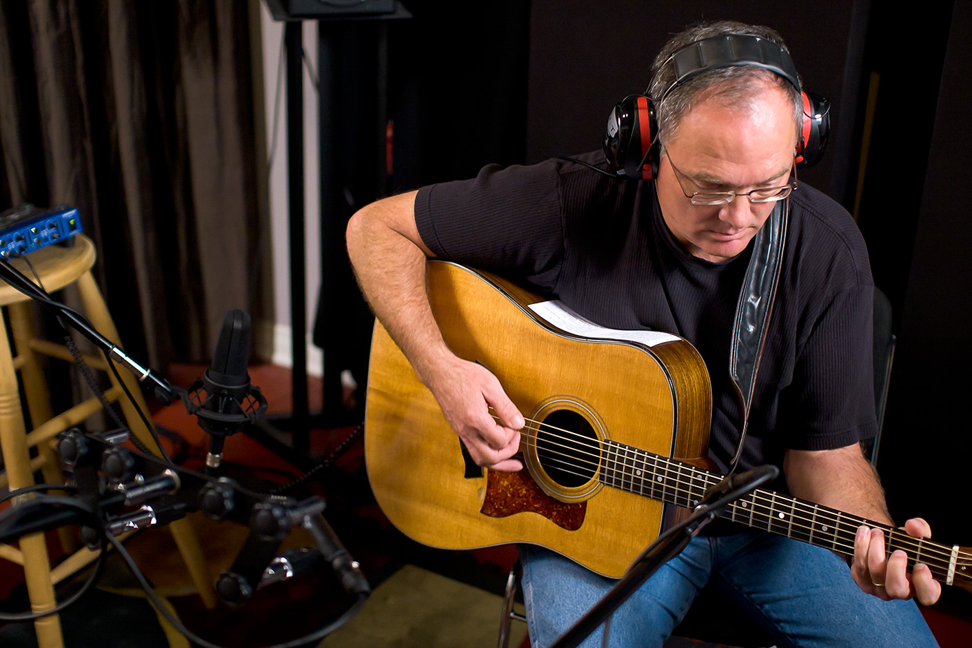 Larry Murante recording acoustic guitar